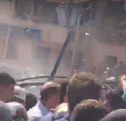 Elazığ Emniyet Müdürlüğü'ne bombalı araçla saldırı galerisi resim 1