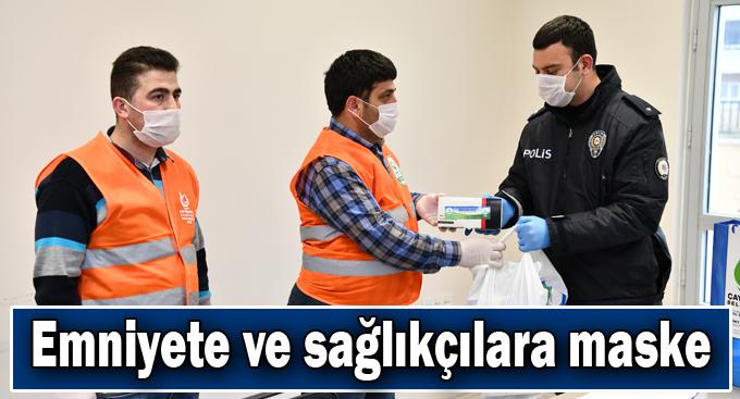 Çayırova'da emniyete ve sağlıkçılara maske