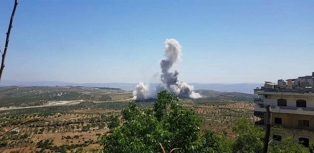İdlib'de askeri konvoya saldırı