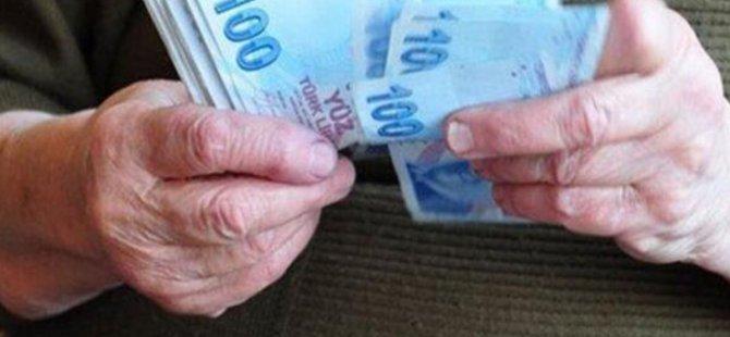 Emeklilerin bayram ikramiyeleri ödenmeye başladı