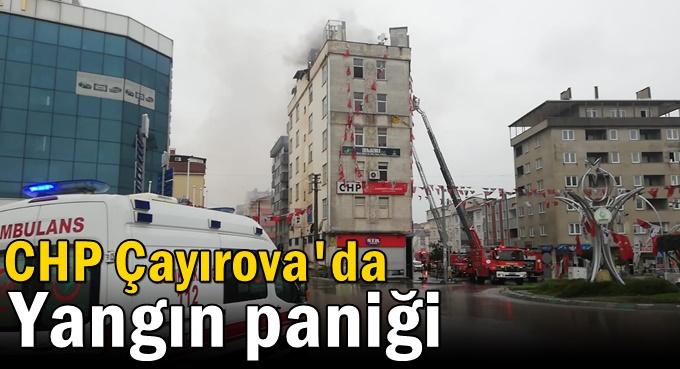 CHP Çayırova'nın çatı katı alev alev yandı