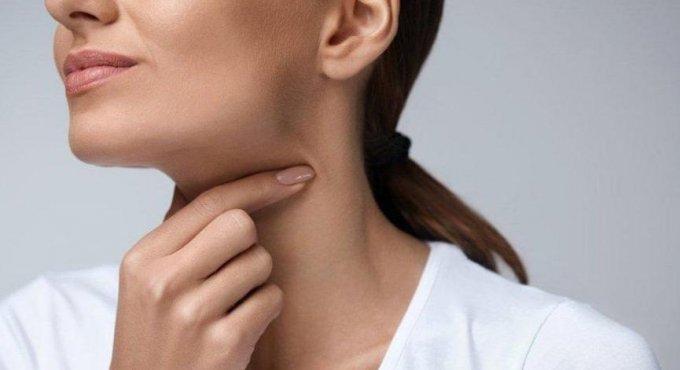İlaç kullanmadan Boğaz ağrısı nasıl geçer, ne iyi gelir?