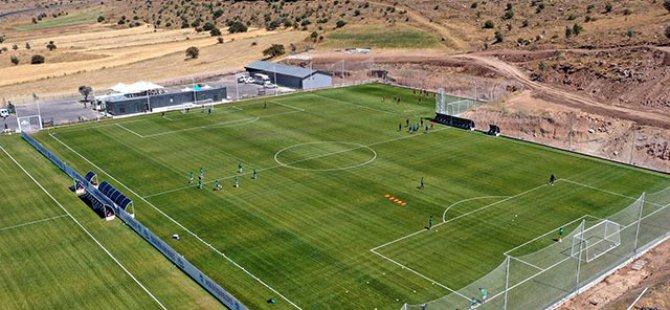 Erciyes'teki futbol kompleksi, kamplar ve hazırlık maçları için hazır