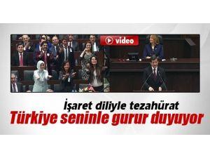 Başbakan'a İşaret Diliyle Tezahürat