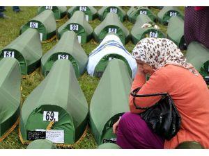 Srebrenitsa Katliamına 7 Tutuklama