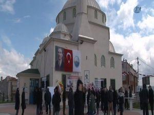 Seyit Onbaşı Camii'ni Seyit Onbaşı'nın Torunları Açtı