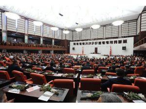 'İnternete Erişim Kısıtlaması' Meclis'ten Geçti