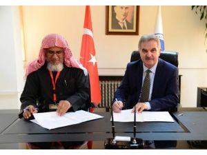 Suudi Arabistan'la Aralarında İşbirliği Protokolü İmzaladılar