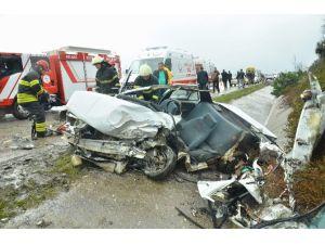 Kandıra Yolunda Feci Kaza: 1 Ölü, 2 Yaralı