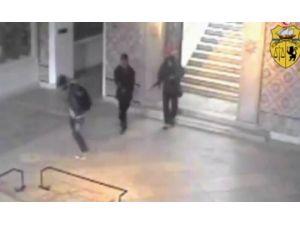Tunus'taki Müzeye Saldırı Anı Kamerada