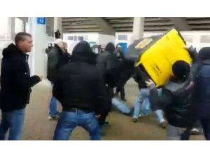 Polise Çöp Bidonu Attı !