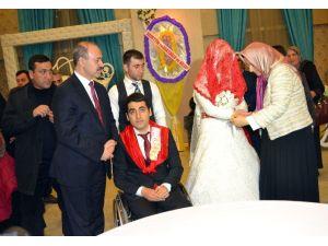 Övünç Madalyalı Gaziye Görkemli Düğün