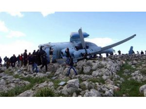 Esed Helikopteri Düştü: Ekip Esir Alındı