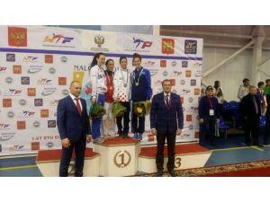 Taekwondoda Altın Geldi