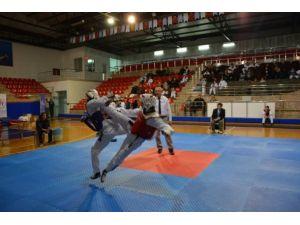 Milli Taekwondocu Rusya'da Altın Madalyaya Uzandı