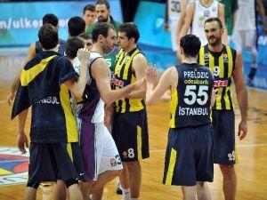 Fenerbahçe Malaga'ya Da Acımadı!