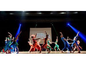 Dans Severler Dikkat: Festival Başlıyor
