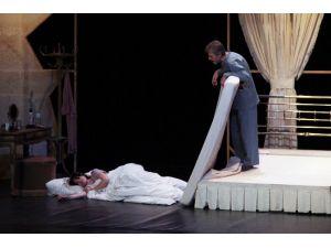 Uluslararası Adana Tiyatro Festivali Başladı