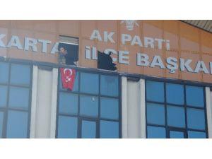 Ak Parti Binasını Basan Şahıs Etkisiz Hale Getirildi