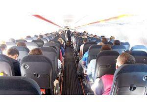 Uçakta 'Sandviç' Dayağı