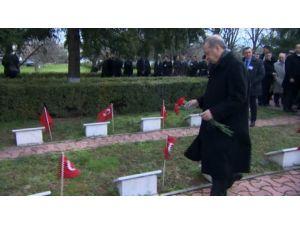Cumhurbaşkanı Türk Şehitliğini Ziyaret Etti