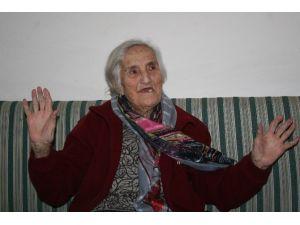 Atatürk'ün Korumasının Kızı 400 Lirayla 2 Torun Bakıyor