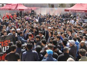 Fatih Camii'nde Teröre Lanet Şehide Dua