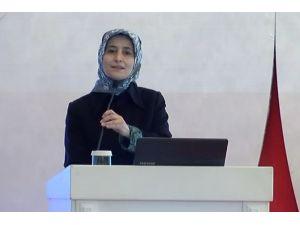 Açılış Konuşmasını Sare Davutoğlu Yaptı