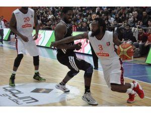 Beşiktaş, Uşak'tan Eli Boş Döndü