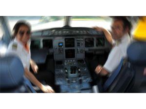 Pilotlar Kokpitte Kavgaya Tutuştu