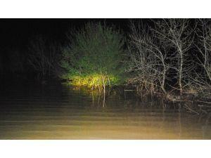 Tekirdağ'da Yollar Kapandı, Tarlalar Göle Döndü