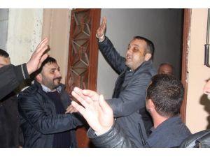 Fenerbahçe'ye Yapılan Saldırıda Yaralanan Şoför Evine Geldi
