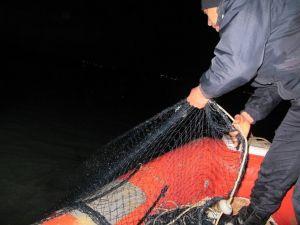 Sualtı Polisi Yasak Ağ Avında
