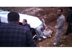 Yüksekova'da Trafik Kazası: 15 Yaralı