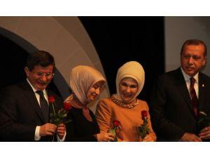 Başbakan İle Kılıçdaroğlu'nun Gül Jesti