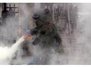 Elçilik Binasından Bomba Patladı