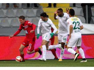 5 Gol, 2 Kırmızı! Bursaspor Yarı Finalde