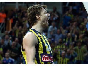 Fenerbahçe Son Şampiyonu Devirdi!