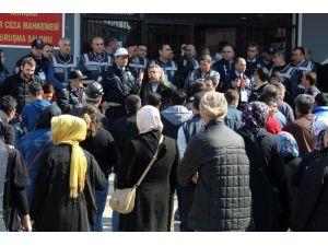 Soma Davasında Salona Alınmayanlar Öfkelendi