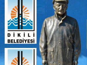 Kılıçdaroğlu'ndan Ecevit Heykeli Hediyesi