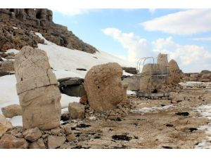 Nemrut Dağı Ziyaretçilerini Bekliyor
