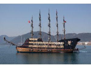 Korsan Gemisi İlk Günden İlgi Odağı Oldu