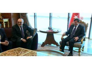 Başbakan Azeri Bakanı Kabul Etti