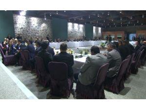 Başbakan İle Buluşan Romanlar: Ak Parti'nin Arkasındayız
