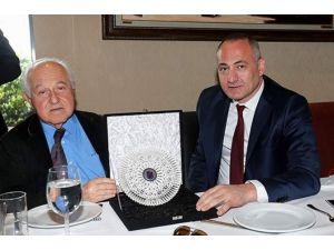 Trabzonspor, Galatasaray Yönetimine Yemek Verdi