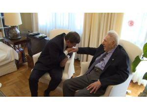 Davutoğlu'ndan Şerif Mardin'e Evinde Ziyaret
