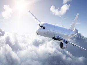 Uçağa Yıldırım İsabet Etti