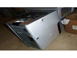 Bilgisayarına Kurşun Yağdırdı