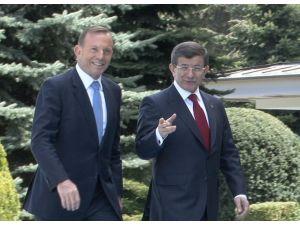 Avustralya Başbakanını Törenle Karşıladı