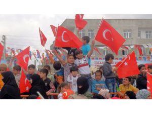 Suriyeli Çocuklara 7 Tır Oyuncak Dağıtıldı